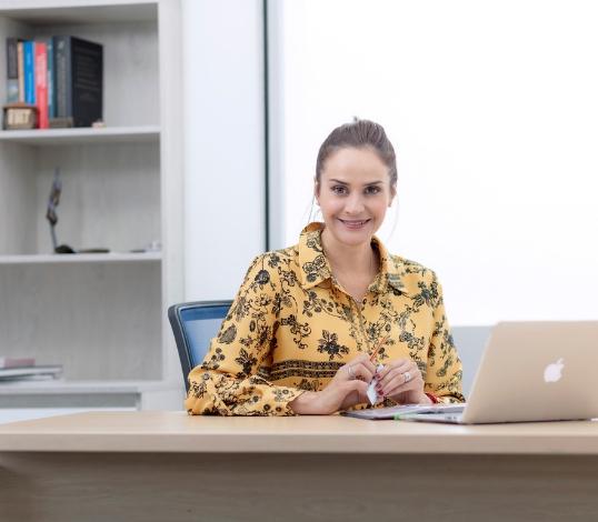 CHARLA: Imagen y estilo para futuros profesionales (colegios)